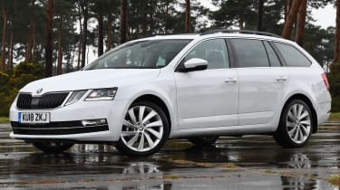 skoda octavia estate static front quarter