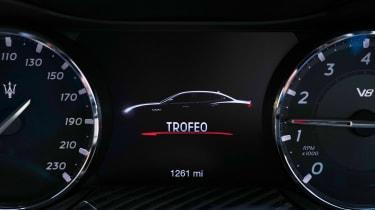Maserati Quattroporte Trofeo - dials