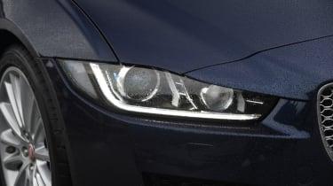 XE vs Gulia vs A4 - XE - headlight