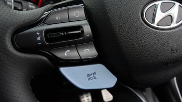 Hyundai i30 N - steering controls