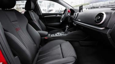 Audi A3 Sportback - front seats