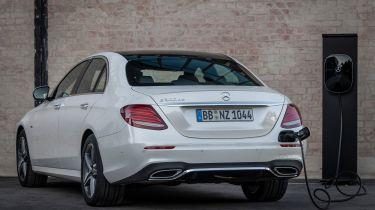 Mercedes E 300 de charging