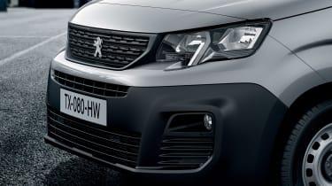 Peugeot Partner - front grille