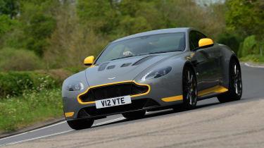 Aston Martin V12 Vantage S - front action