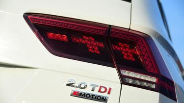 Volkswagen Tiguan SE L - rear light