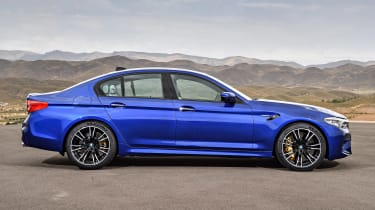 BMW M5 - side static