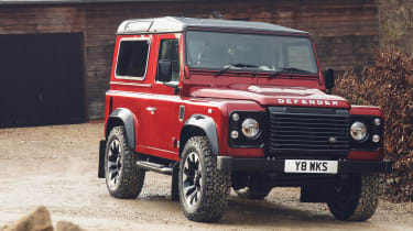 Land Rover Defender Works V8 - front static