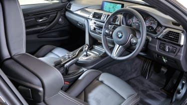 BMW M4 Competition Pack - dash