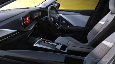 Vauxhall Astra - cabin