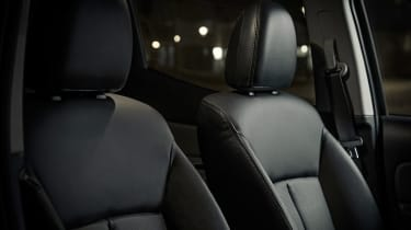 Fiat Fullback Cross - seat detail