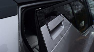Toyota C-HT 1.2 Icon 2017 - rear door handle