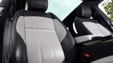Range Rover Evoque - seat
