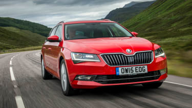 Skoda Superb Estate - front action