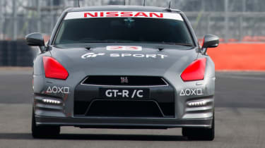 Remote control Nissan GTR/C - dead ahead