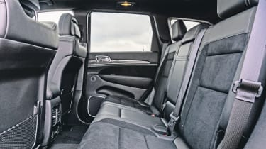 Jeep Grand Cherokee SRT - rear seats