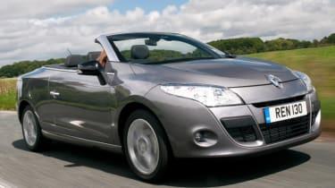 Renault Megane CC front tracking