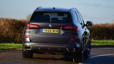 BMW X5 - rear cornering