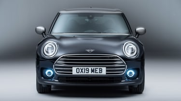 MINI Clubman - studio full front