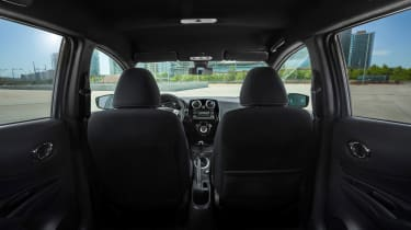 Nissan Note Black Edition - interior