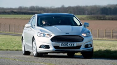 Ford Mondeo - front cornering