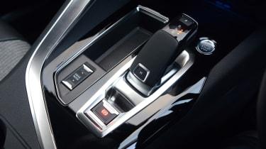 New Peugeot 3008 facelift 2020 shifter