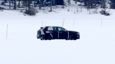 Volvo XC40 spy shot side far