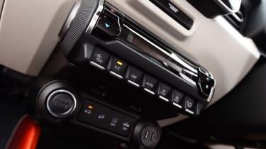 Suzuki Ignis 2016 - dashboard