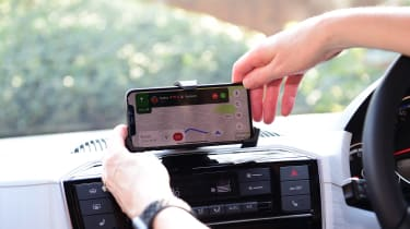 SEAT Mii electric - long termer first report smartphone
