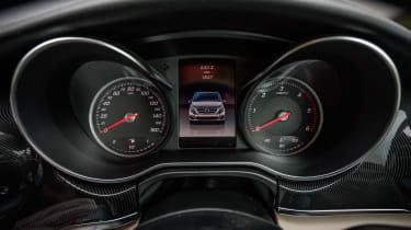 Mercedes V-Class Marco Polo - dials