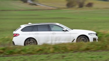 BMW 530d Touring - side