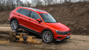 Volkswagen Tiguan 2016 - off-road