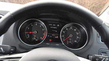 Volkswagen Polo - dials
