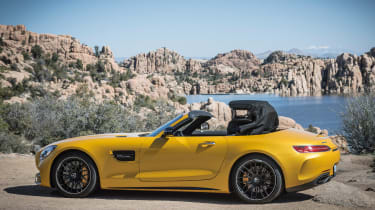 Mercedes-AMG GT C Roadster 2017 - side roof closing