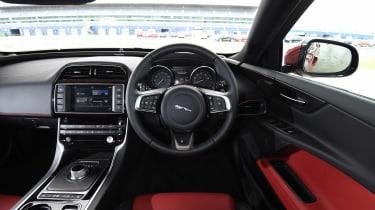 Jaguar XE dash
