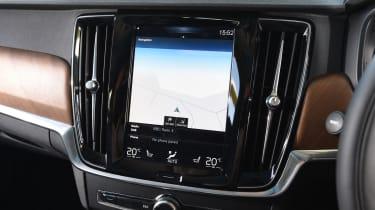 Volvo V90 2016 - infotainment