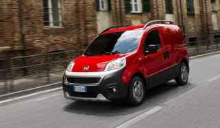 Fiat Fiorino - front tracking
