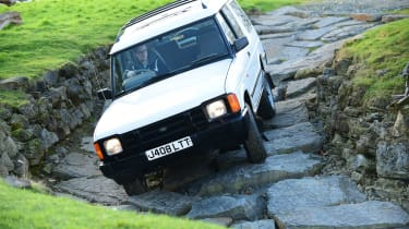 Land Rover Discovery Mk1 - front off-road