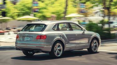 Bentley Bentayga Hybrid - rear action