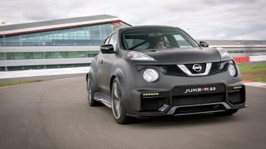 Nissan Juke-R 2.0 - front action
