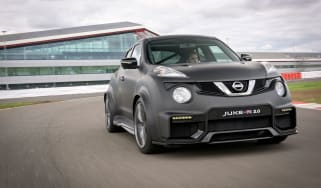 Nissan Juke-R 2.0 - front action