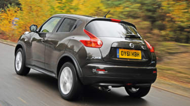 Nissan Juke Acenta Premium rear tracking