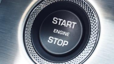 Range Rover SVAutobiography - start stop