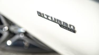 Mercedes-AMG C 43 Estate 2016 - biturbo badge