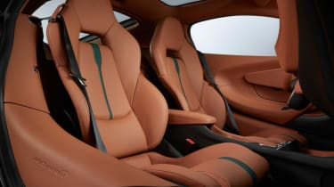 MSO 570GT - seats