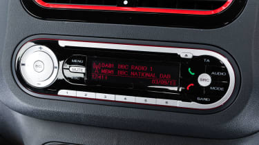 MG3 stereo