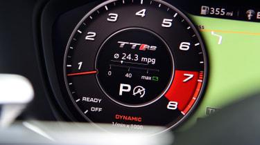 Audi TT RS -  dial