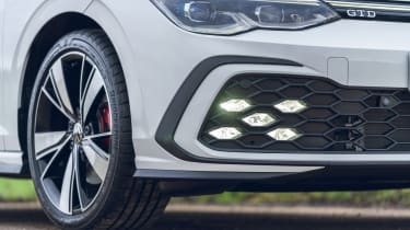 Volkswagen Golf GTD - fog lights