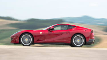 Ferrari 812 Superfast - side