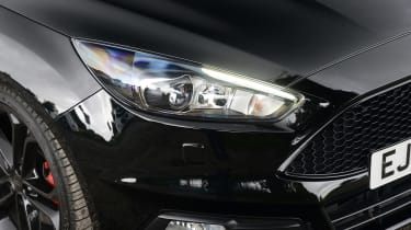 Ford Focus ST - front light