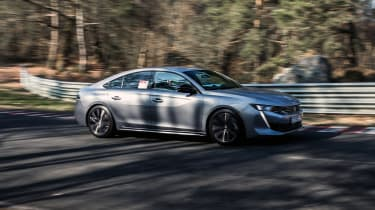 Peugeot 508 HYbrid prototype - front action